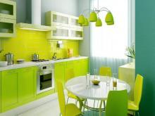 Как стеклянные столы на кухне помогут создать настроение.